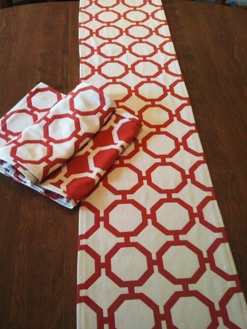 geometric table runners